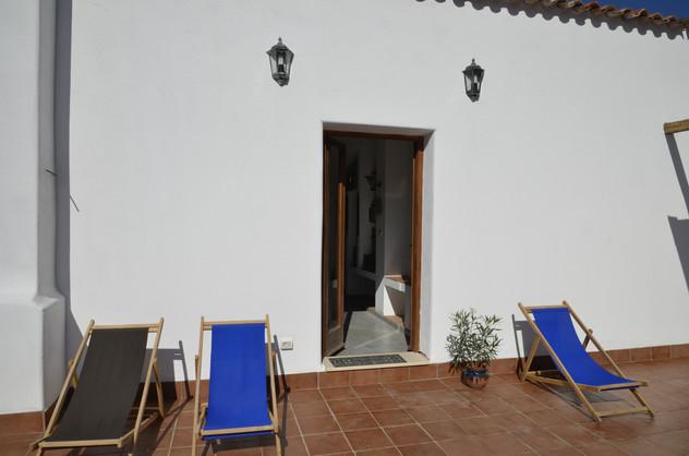 Obere Terrasse zugang Zimmer 1