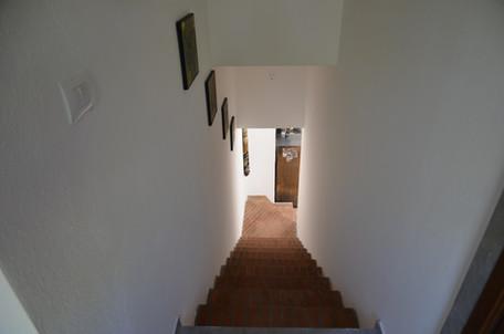 Gang nach unten zur küche