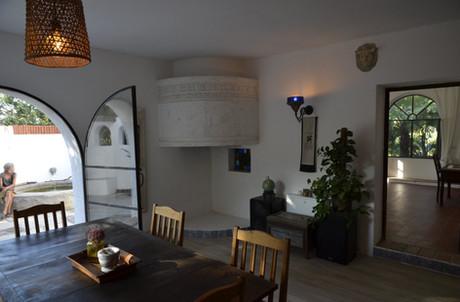 Küche. Blick auf Kamin