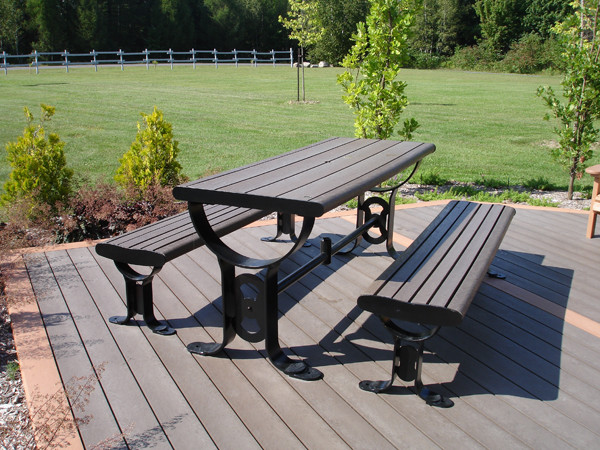 Franklin Series - Picnic table