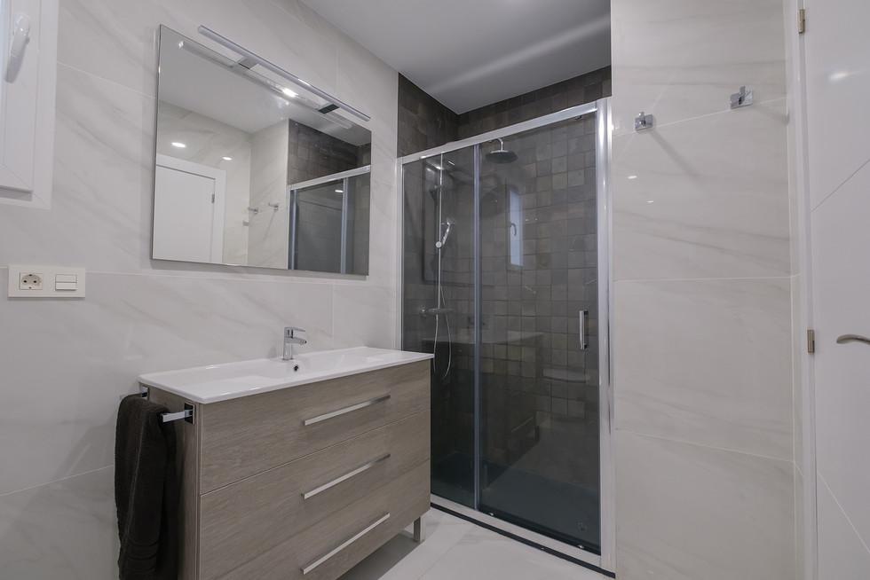 Reforma vivienda AL  baño