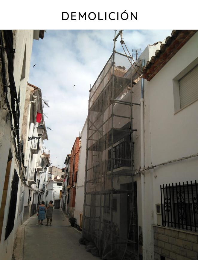 Proyecto de obra nueva: vivienda unifamiliar entre medianeras. Vista del derribo.