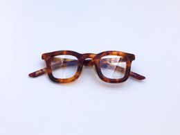 メガネを主役に楽しむ