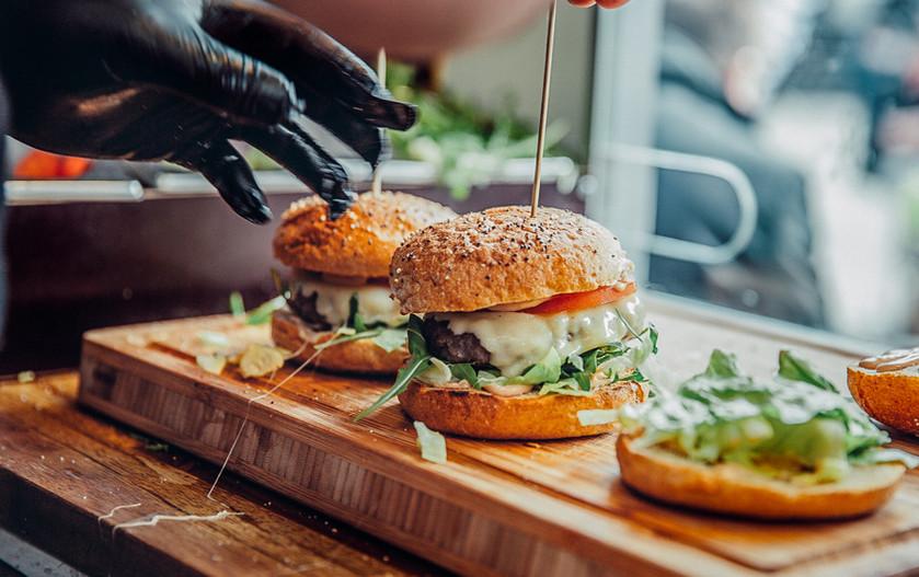 burger-food-truck-R&R.jpg