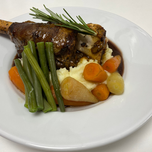 Lamb Shank with Roasted Vegtables and Mu