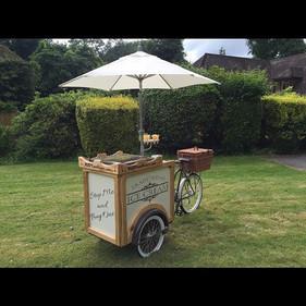 #weddinghour #weddingplanning #icecream #vintage #trikebike #canapes #hire _rustyandroses
