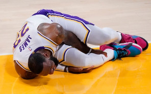 NBA, Lakers: bad injury for LeBron James