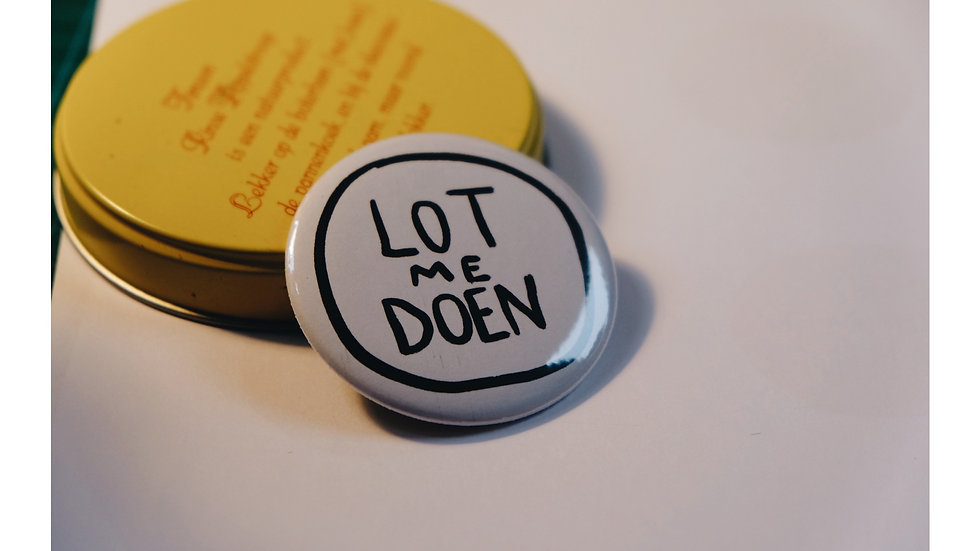 Lot me doen, button 56 mm