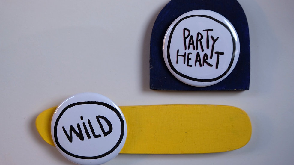 Buttons wild/party