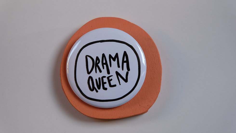Button: dramaqueen