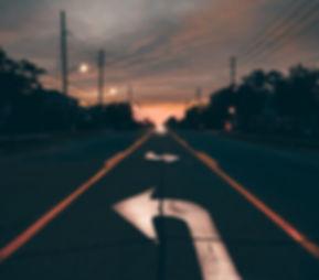 Sur la route, en autobus.