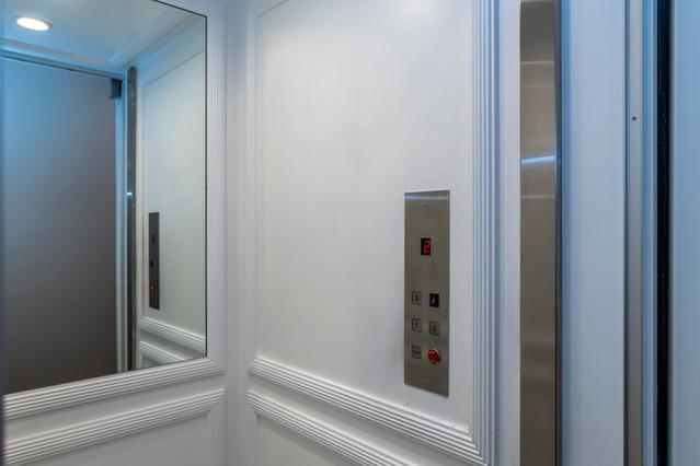 Elevator 2 911 NE 17th.jpg