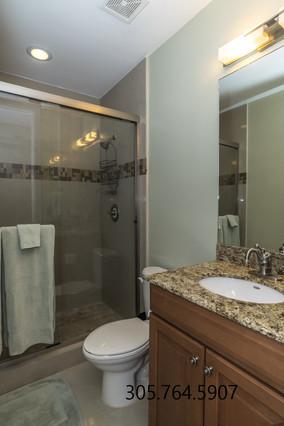 Guest Bath 1 911 NE 17th W.jpg