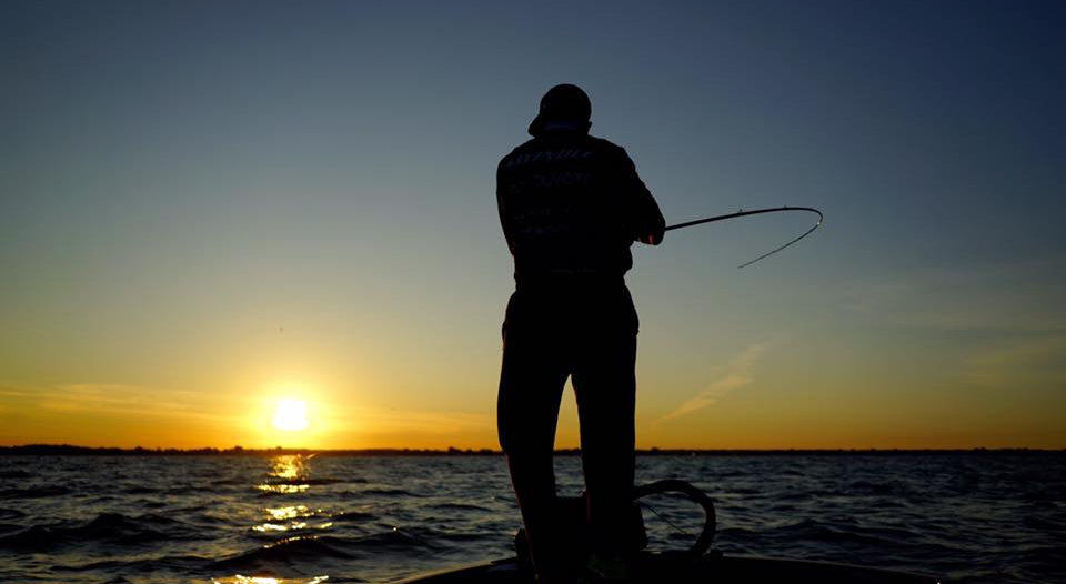 web pic fishin sunset.jpg