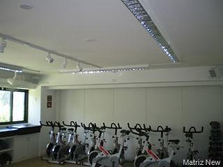 sistema de iluminação para salas de ginastica
