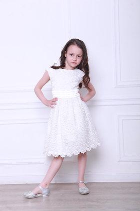 Платье молочное гипюровое