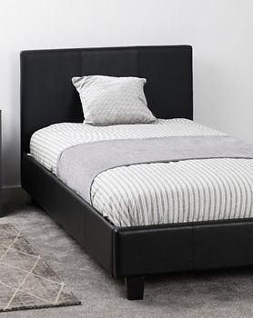 PRADO-3-BED-BLACK-PU-bgpic.jpg