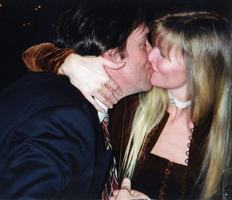 kissing0199.jpg