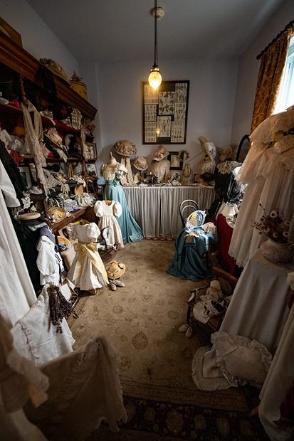 dresshop.jpg