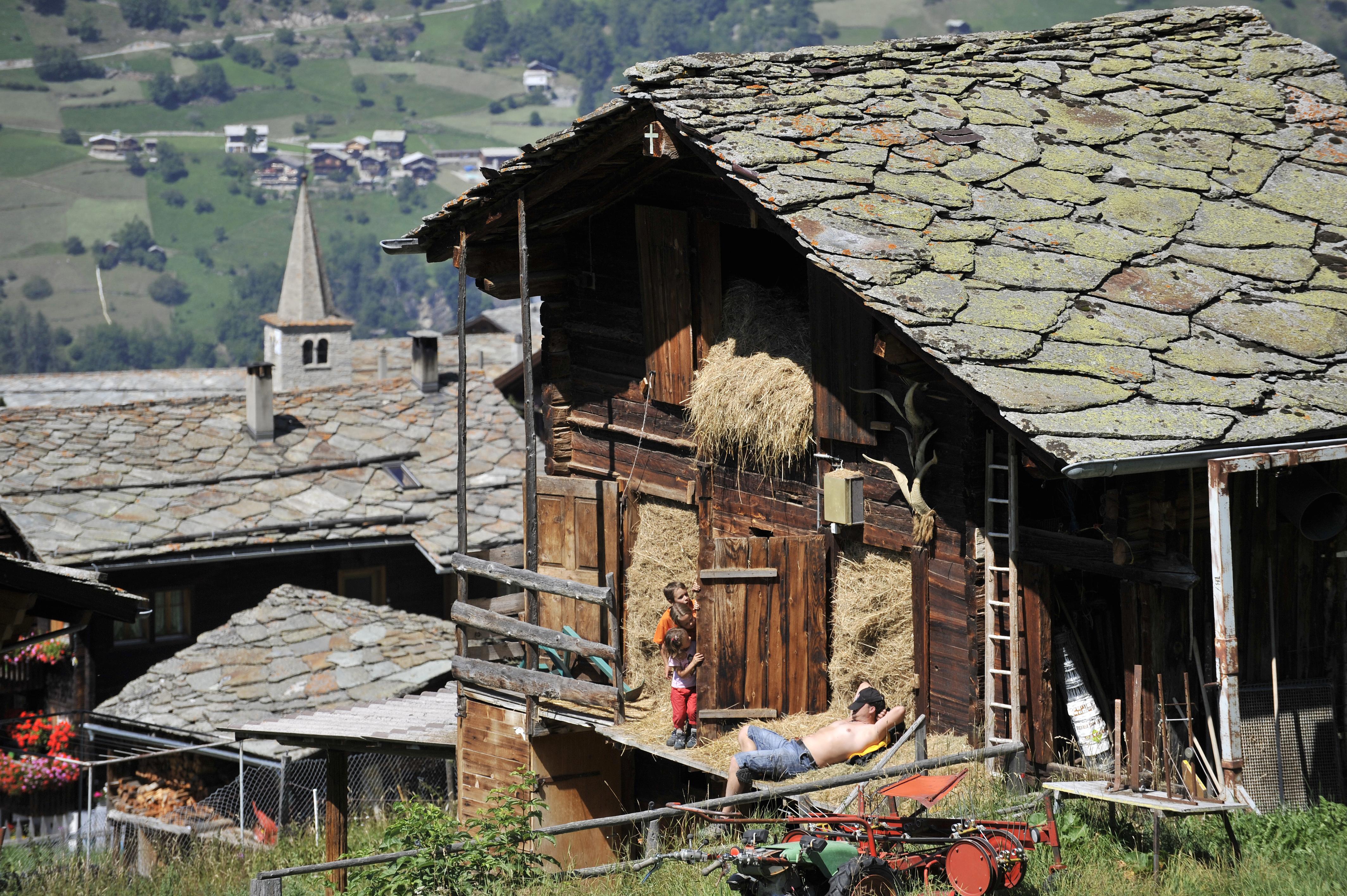 Blick auf den traditionellen Dorfker