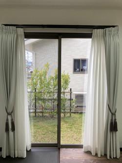 リビング窓
