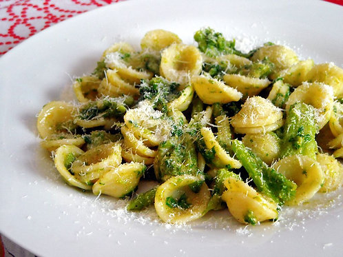 homemade  pasta broccoli e pecorino cheese