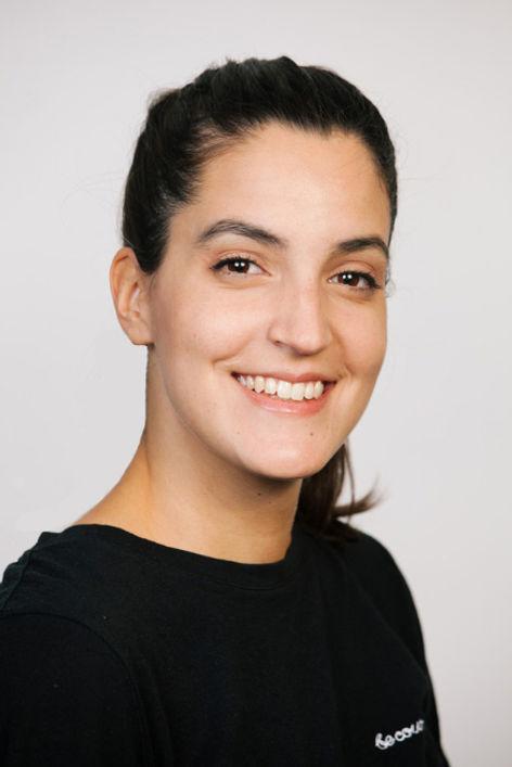 Luiza Karnas Headshot.jpg
