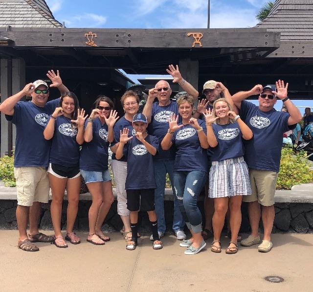 Burrus_Family_2018_Shirts_Group_edited