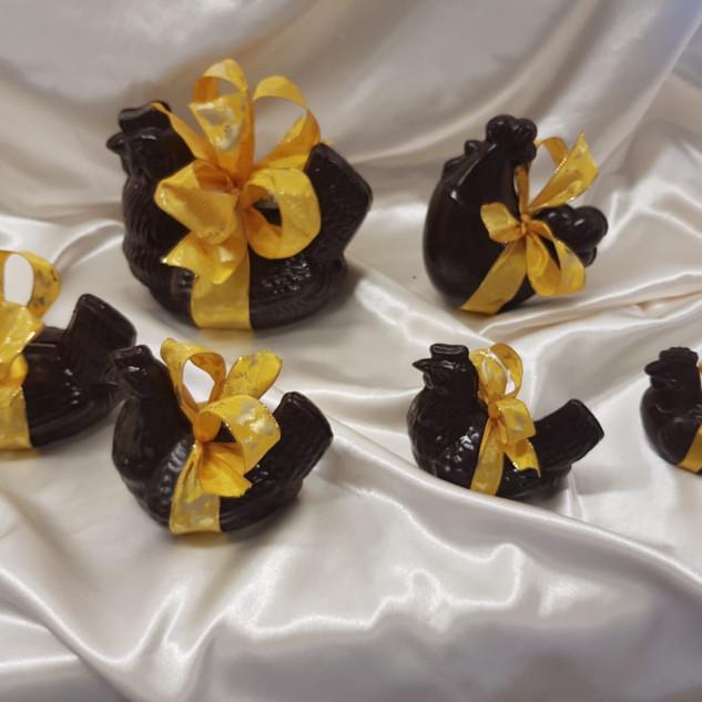 Poules noires en 6 tailles