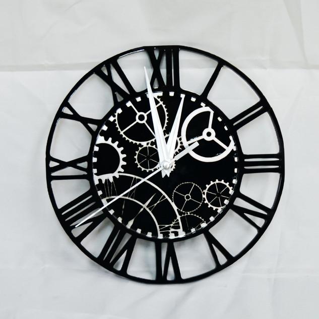 Cog wall clock