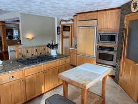 Kitchen 21.jpeg