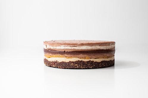 Tarta crudivegana de crema de cacahuetes y chocolate