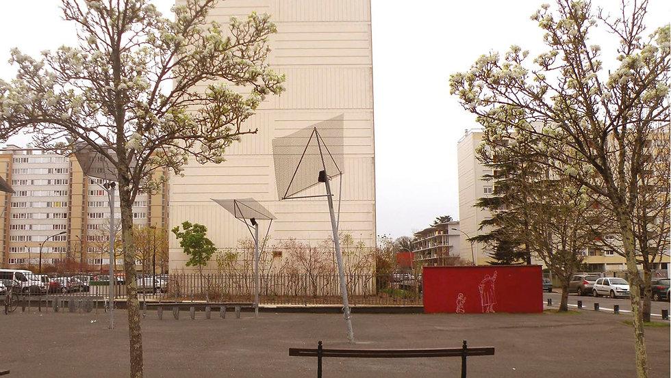 Atelier tcpc Un mur rouge Art environnemental participatif Street art Quartier prioritaire Habitants enfants