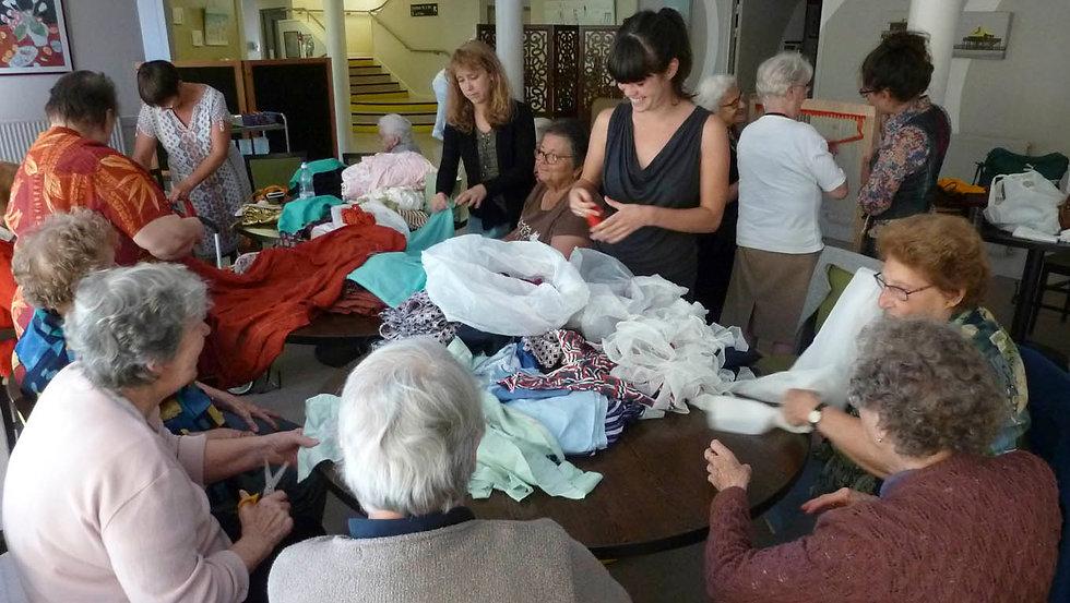 Atelier tcpc Habiter Art environnemental participatif Médico-social Genre ville Textile EHPAD RPA territoire textile tricot