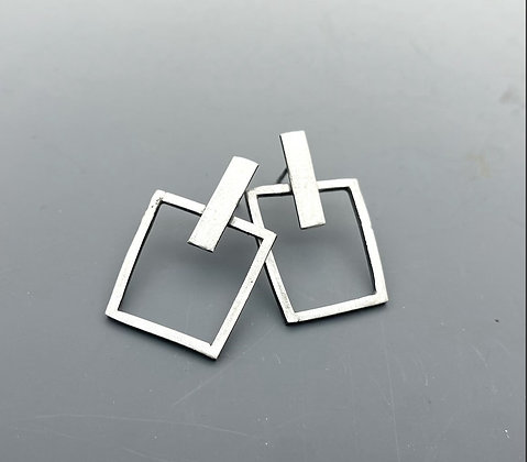 organic sterling silver square earrings. forward facing made with square wire. post earrings