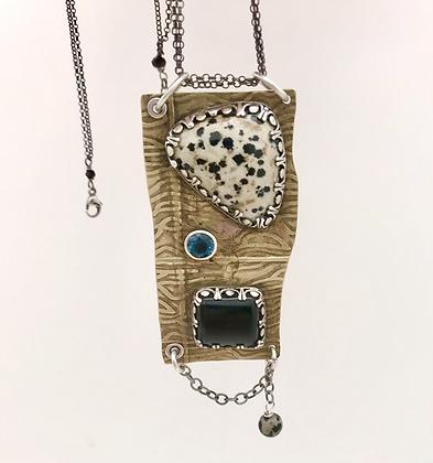 Gemstone pendant necklace