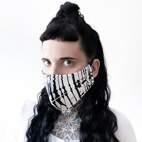NOWHERE / DISTORTED REVERSIBLE MASK.