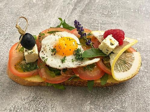Avocadoaustrich/Tomaten/Wachtelspiegelei