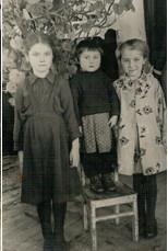Девочки Ивановы. Свияжск. Начало 1950-х Из архива семьи Ивановых
