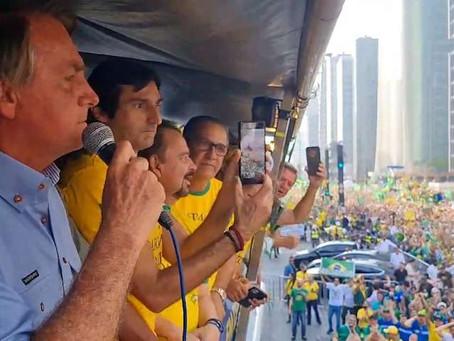 Em ato na Avenida Paulista, Bolsonaro diz que 'só Deus' pode tirá-lo do poder