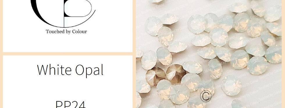 White Opal - Chaton