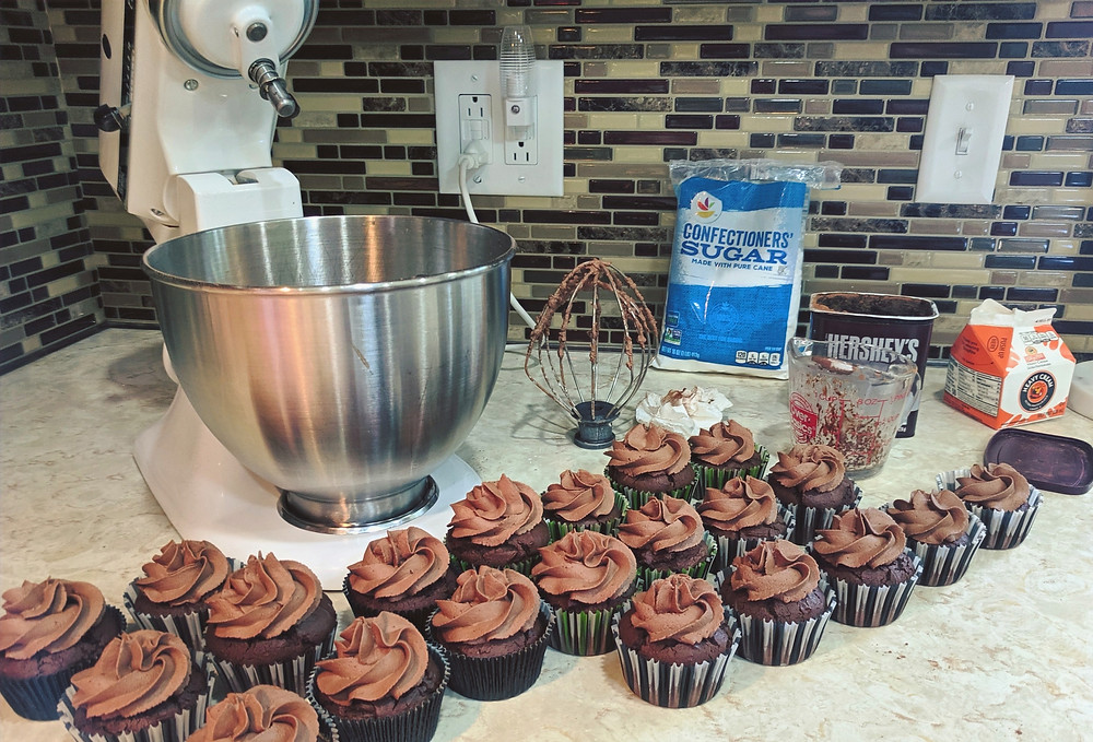 Easy Homemade Chocolate Mousse Cupcakes - amanda macgregor centineo - food allergy recipes