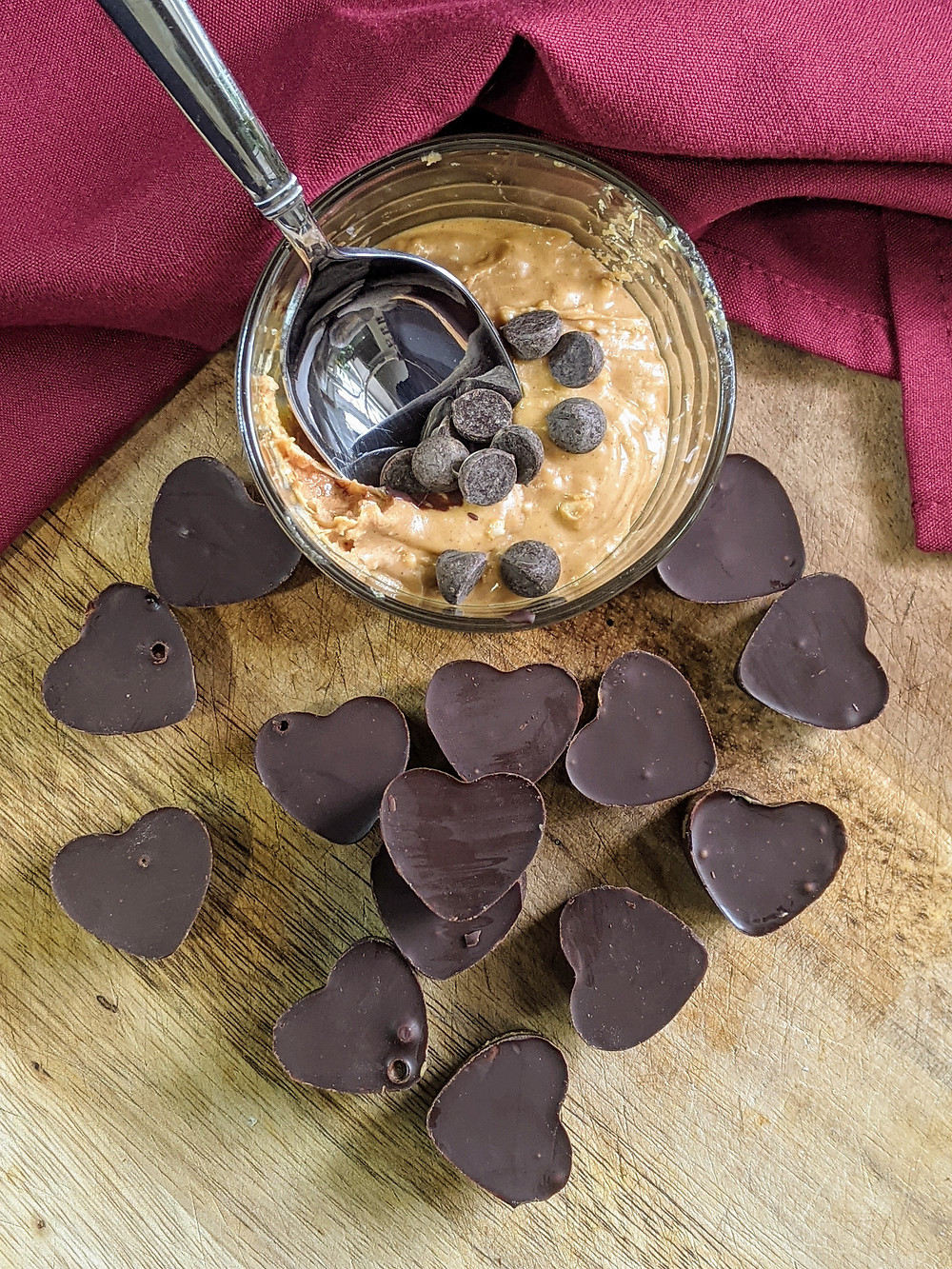 Chocolate Sunbutter Cups Recipe using Enjoy Life's Chocolate - amanda macgregor centineo - food allergy recipes - valentine's day - anniversary - Halloween