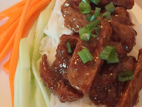Melissa's Low-Cal Honey Sriracha Mongolian Beef with Rice Noodles