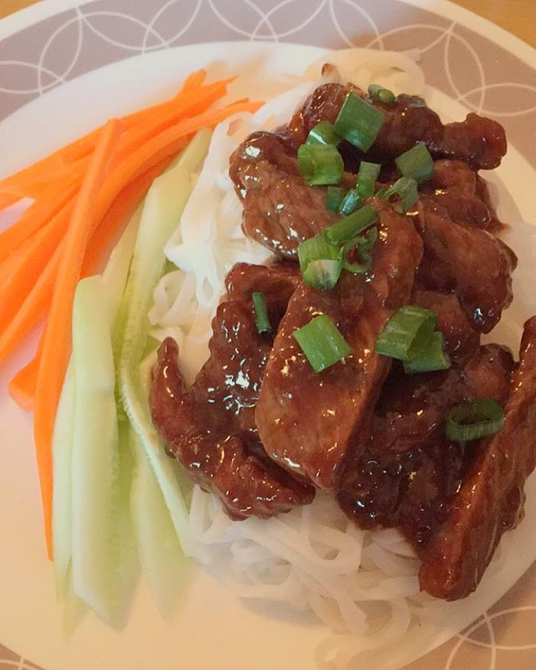 Melissa's Low-Cal Honey Sriracha Mongolian Beef with Rice Noodles - Amanda MacGregor - Food Allergy recipes