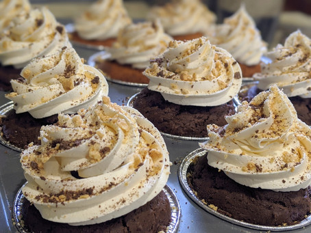 S'mores Cupcake Recipe with an Easy Marshmallow Frosting