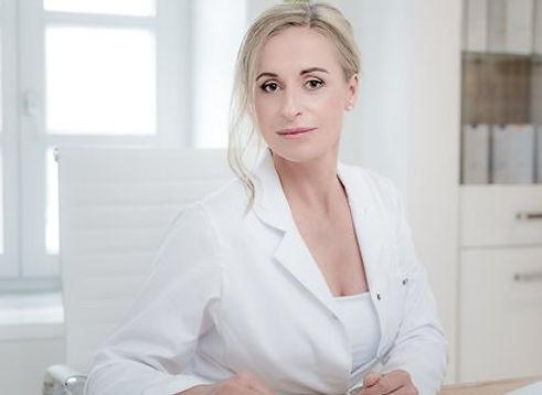 Maria-Denise Erlach, Heilpraktikerin, Kosmetikerin, Wellnesstherapeutin im Chiemsee Chalet, Frasdorf, Praxis be natural med, Prien am Chiemsee