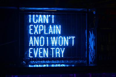club signage neon