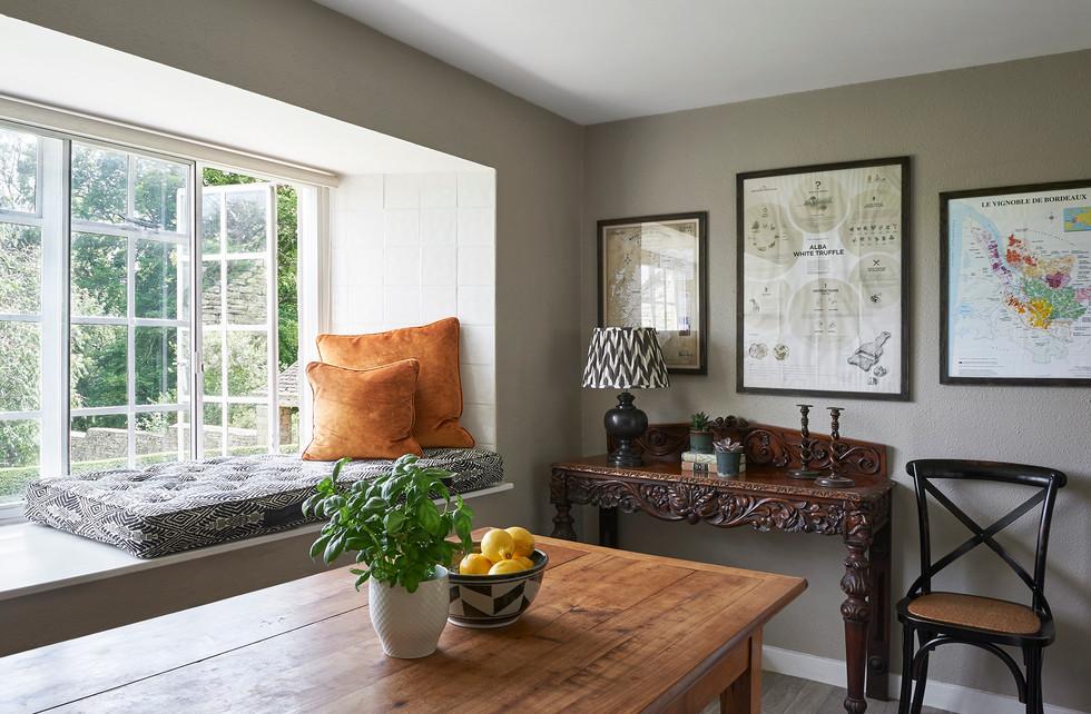 Cotswold Estate Cottage Kitchen Window Seat