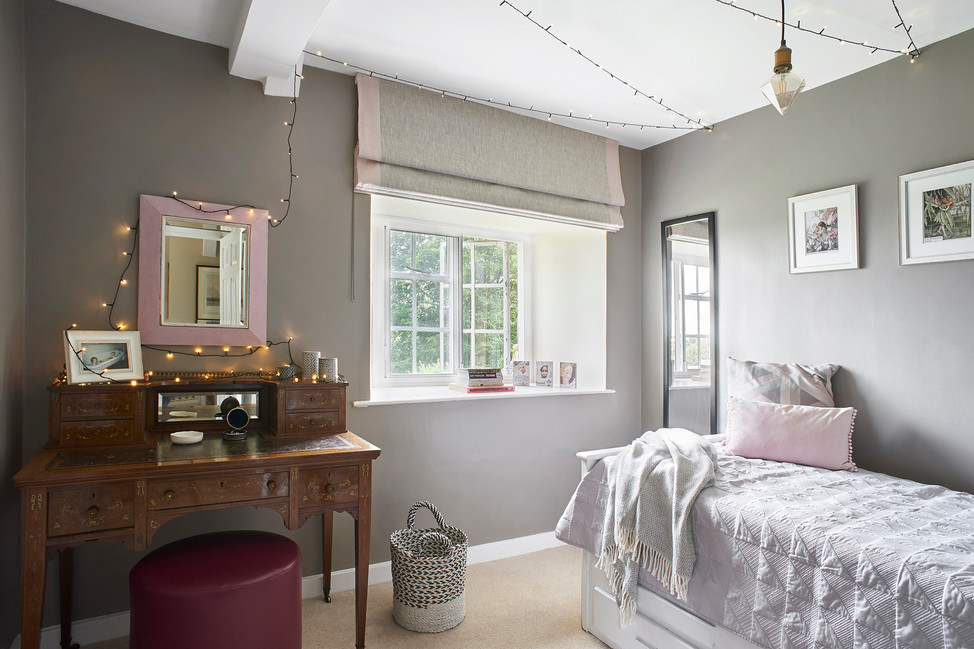 Cotswold Estate Cottage Teen's bedroom